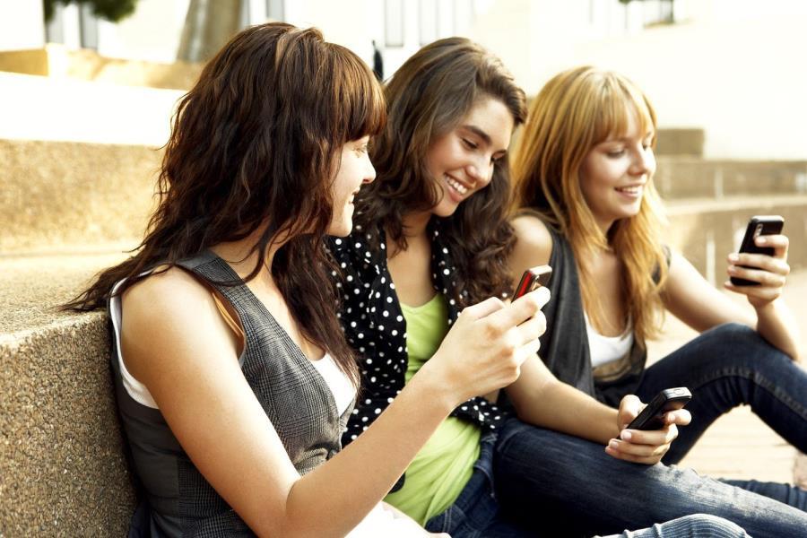What is peer pressure?   Friendships   ReachOut Australia